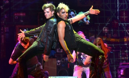 Alex-Nee-and-Trent-Saunders-in-the-American-Idiot-musical